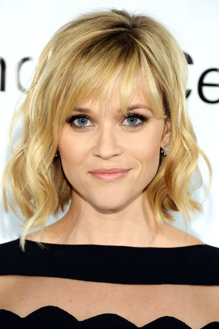 resese whiterspoon short messy bob haircut with bangs
