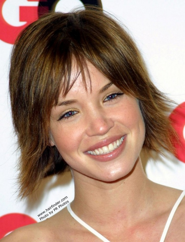 ashley scott short feathered layered bob haircut