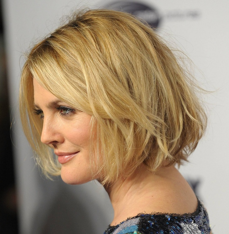 drew barrymore short layered wavy bob haircut