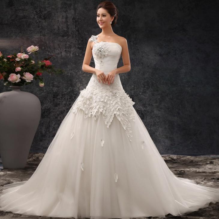 lace chiffon wedding dress