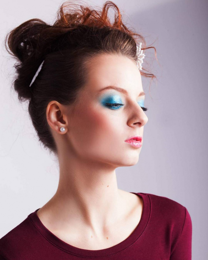 Dark Blue Prom Makeup