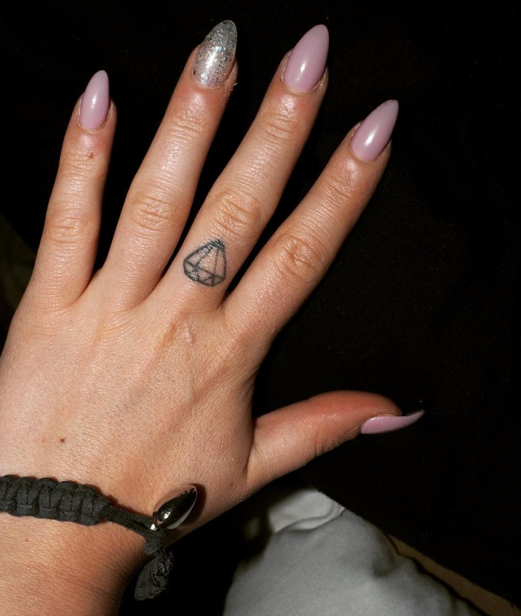 small diamond finger tattoo