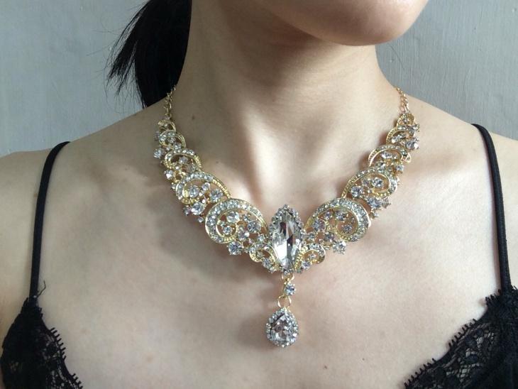 crystal rhinestone statement necklace