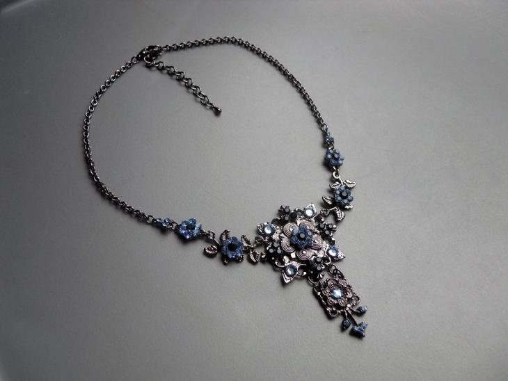 crystal flower bib necklace1