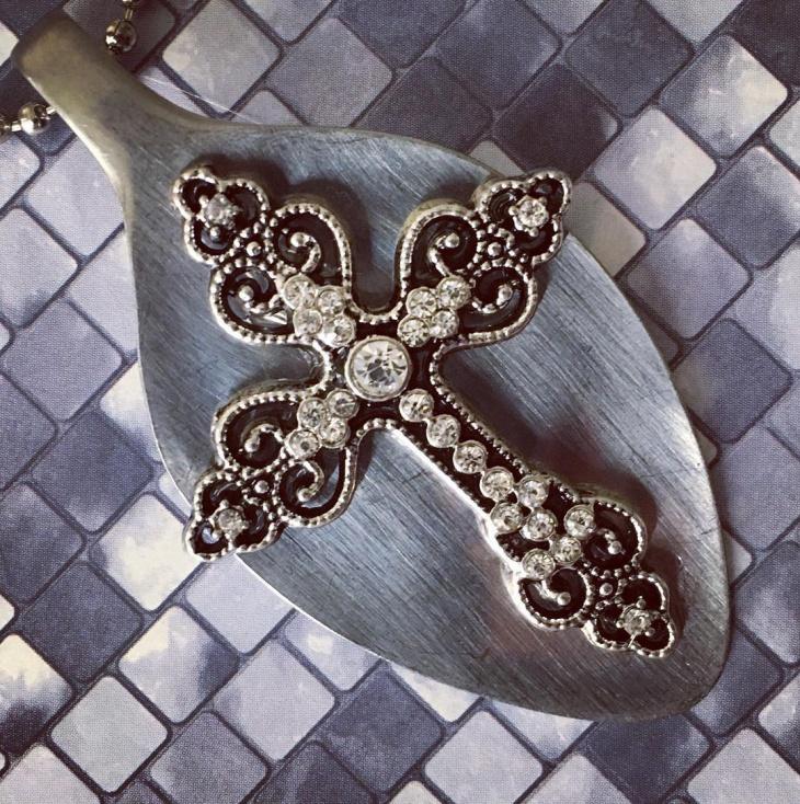 diamond cross pendant necklace