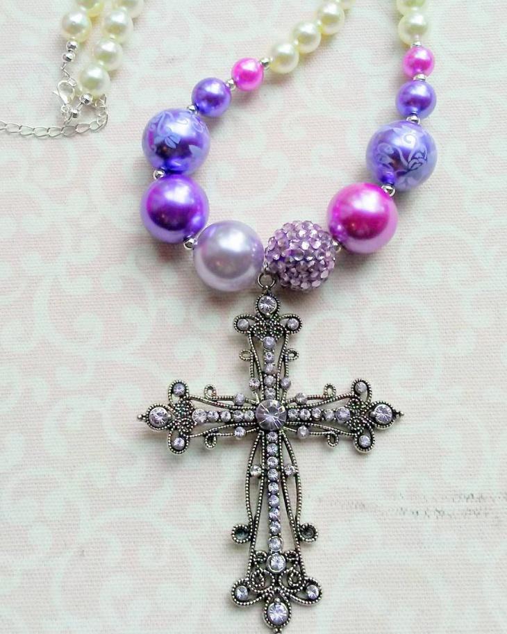 womens vintage cross necklace design