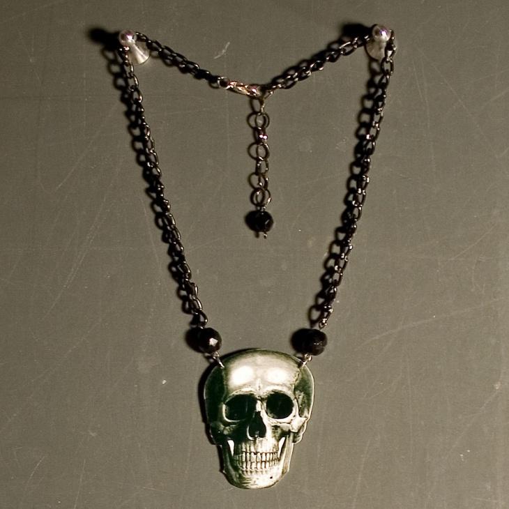 skull head necklace