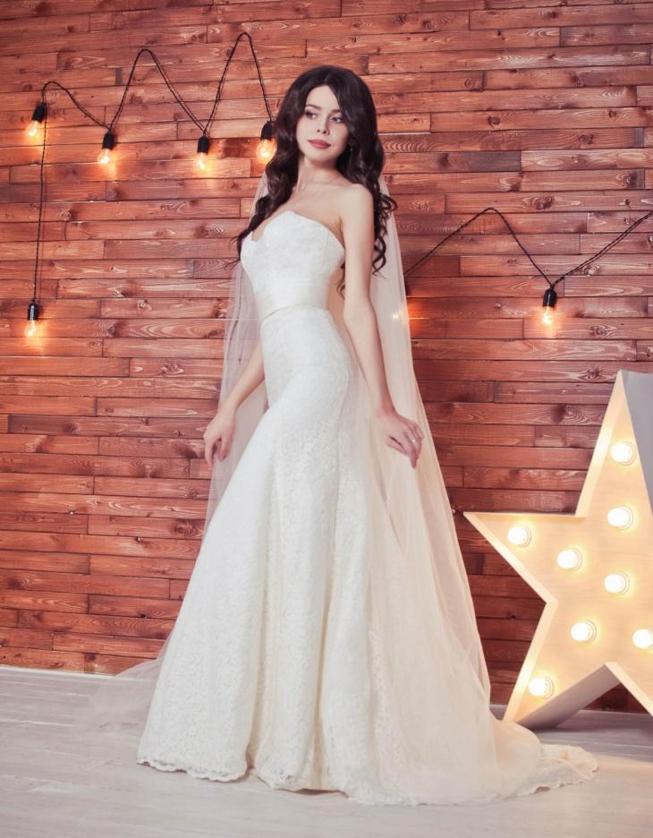 long lace mermaid wedding dress