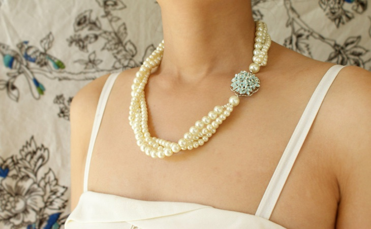 flower twisted pearl necklace