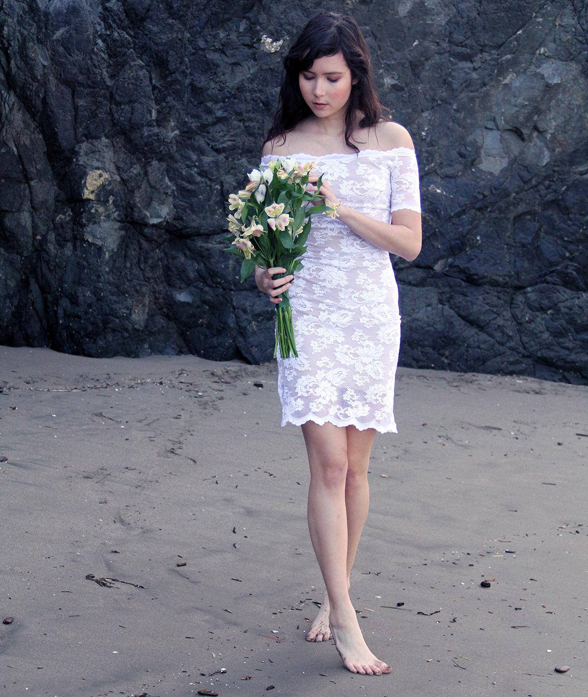 Short Beach Lace Wedding Dress