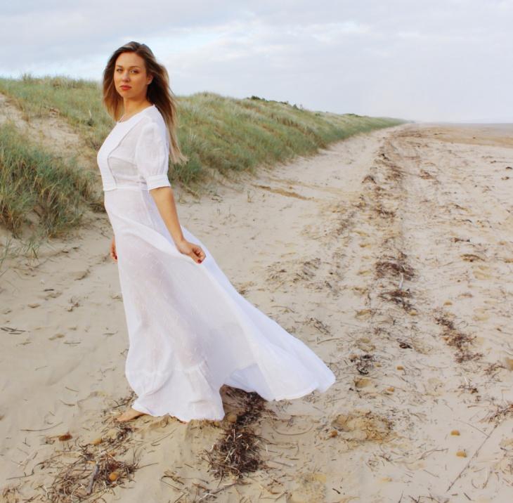 vintage sleeve beach wedding dress