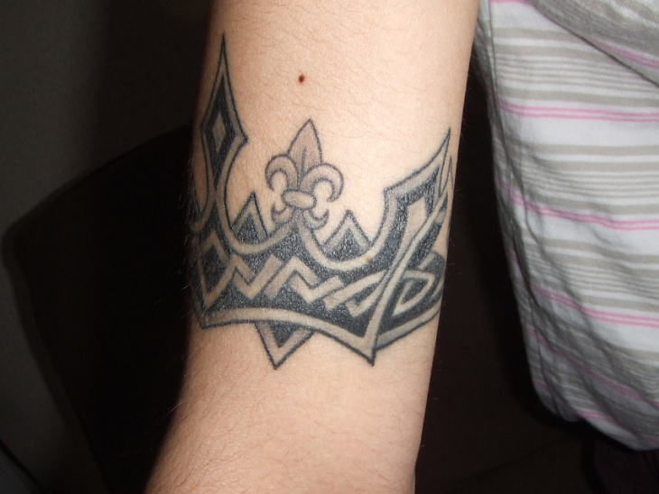 Celtic Crown Tattoo on Wrist