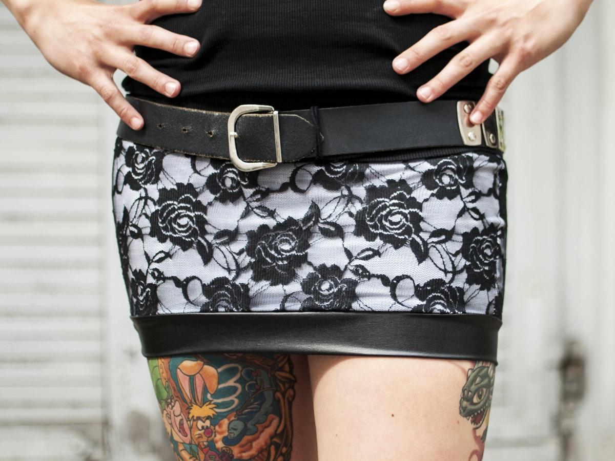 rose lace mini skirt