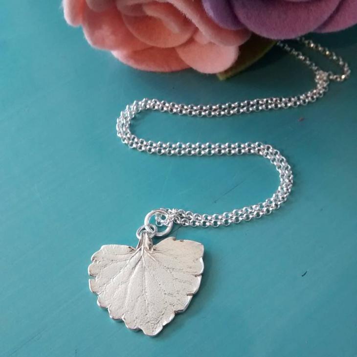 leaf heart pendant necklace