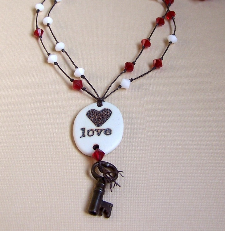 heart and key crystal necklace1