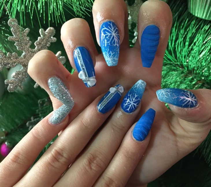 blue and white new year acrylic nails
