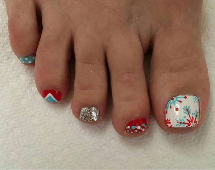 cute new year toe nail art