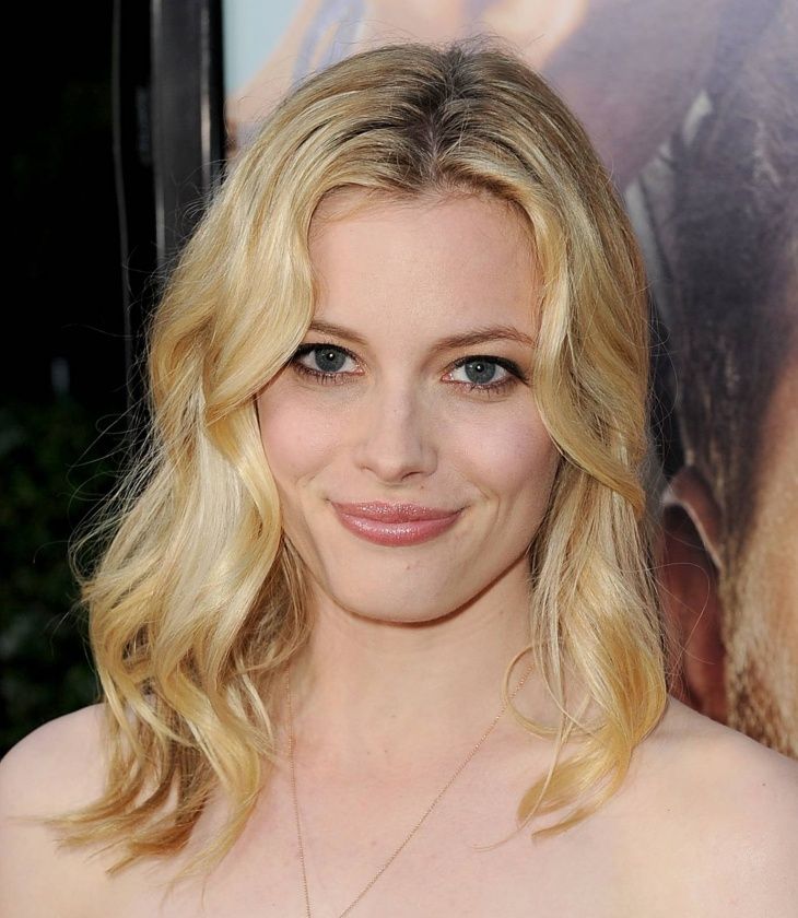 gillian jacobs medium length wavy hairstyles