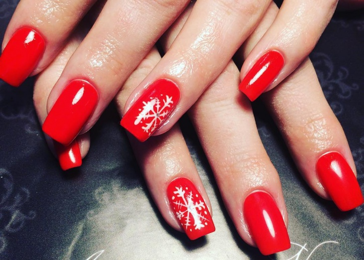 red shellac snowflake nails