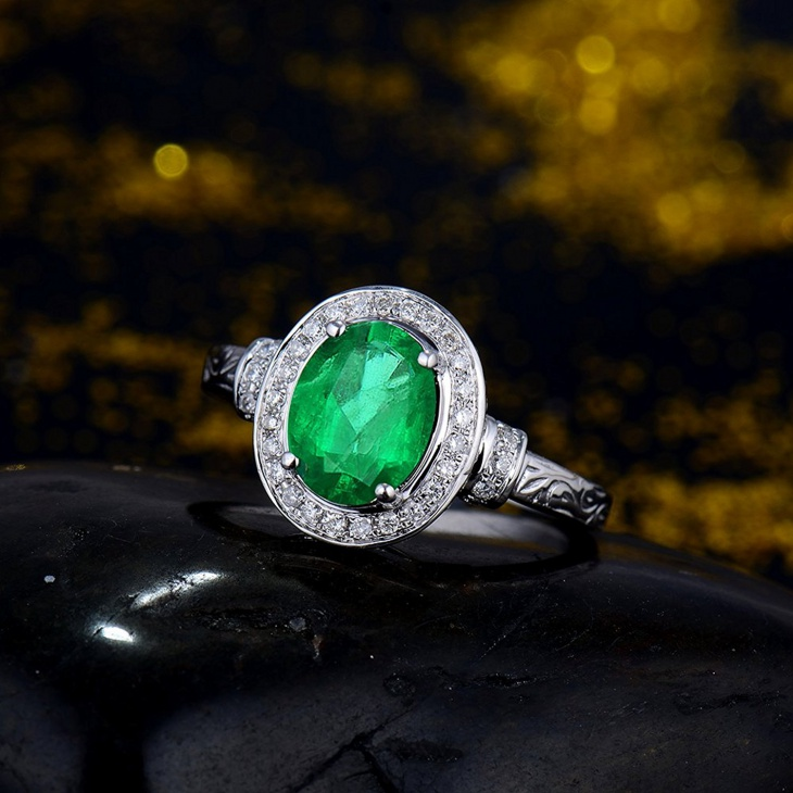 antique emerald gemstone engagement rings
