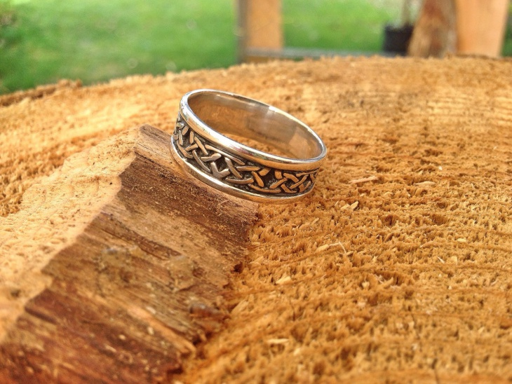 antique celtic knot engagement ring