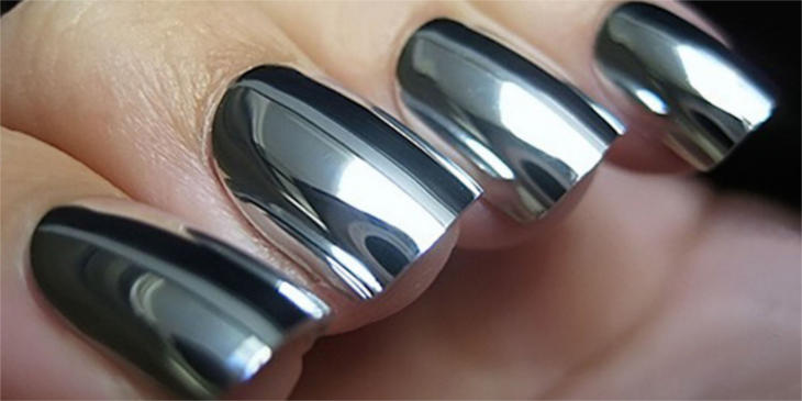 mirrored-nails