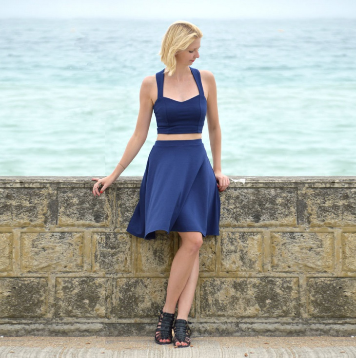 high waisted midi skater skirt outfit