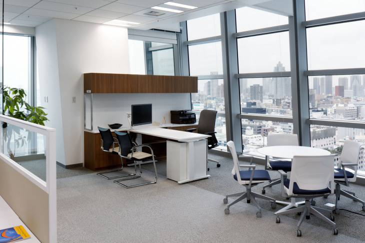 small modern office furniture design