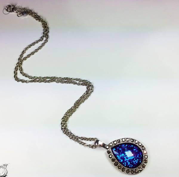 blue teardrop diamond necklace
