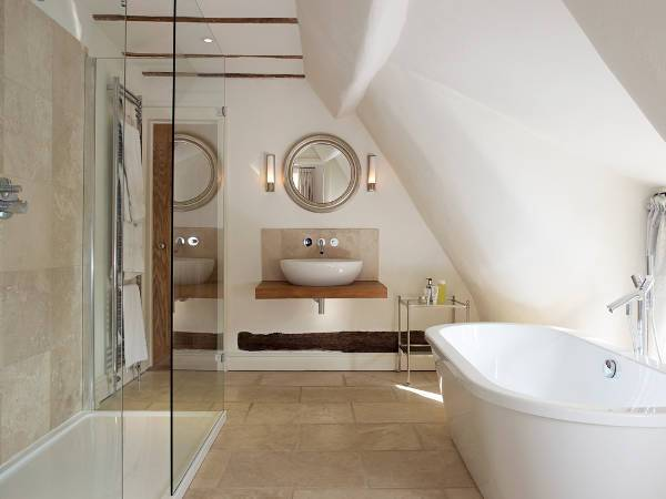 round bathroom wall mirror design