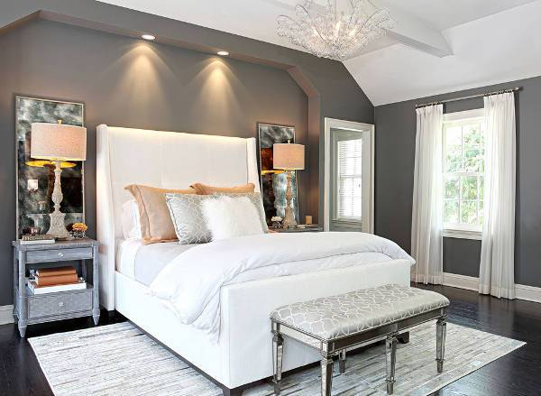 Grey and White Bedroom Decorating Idea