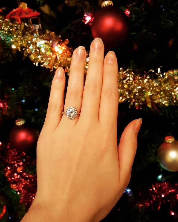 Gold Oval Engagement Ring for Women