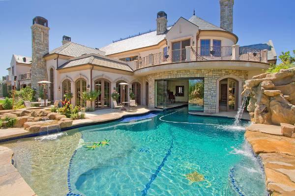 beautiful outdoor pool fountain
