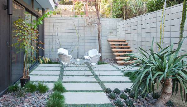outdoor silver wire chairs