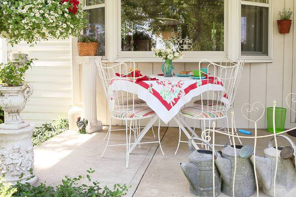 Vintage White Outdoor Chairs