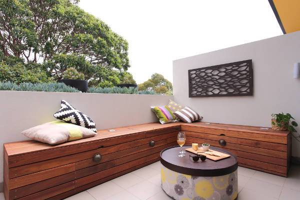 outdoor wooden storage bench design