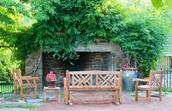 outdoor landscape wood bench