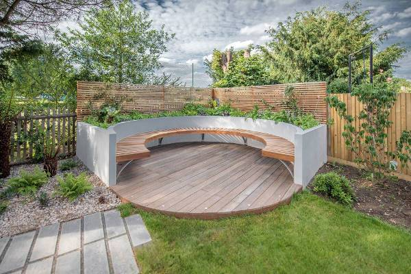 curved corner outdoor bench