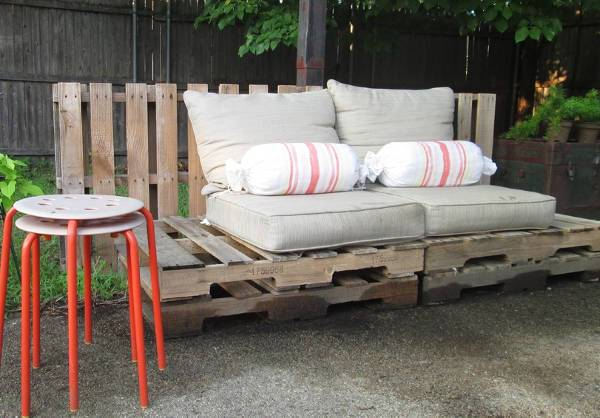 diy wooden outdoor bench