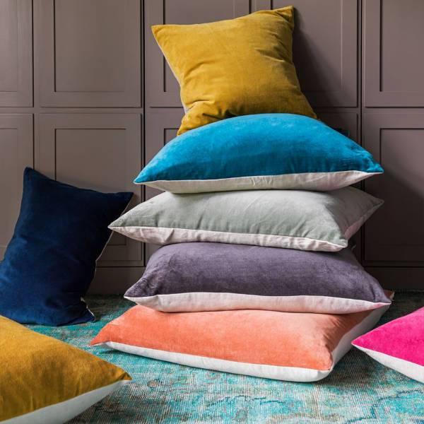 velvet cushions1