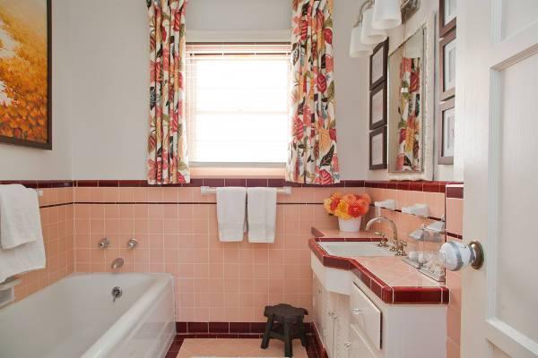 vintage bathroom two handle faucet