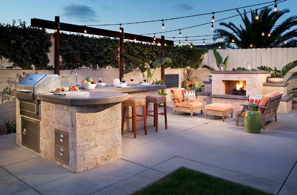concrete outdoor kitchen bar