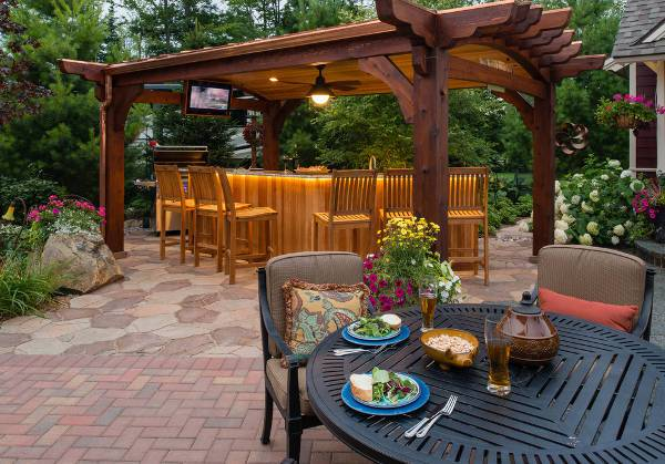 outdoor covered patio bar