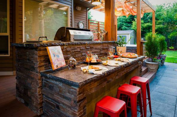 contemporary outdoor kitchen bar