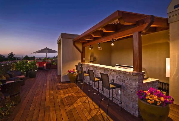 traditional outdoor deck bar