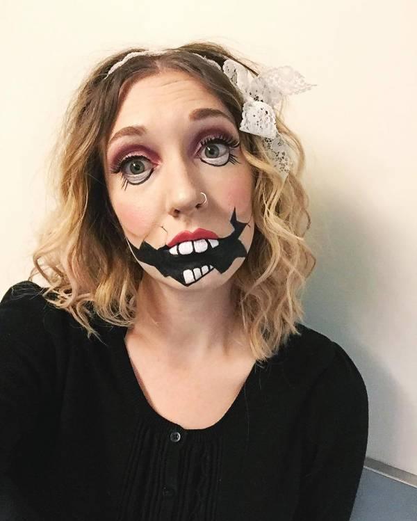 simple creepy doll makeup
