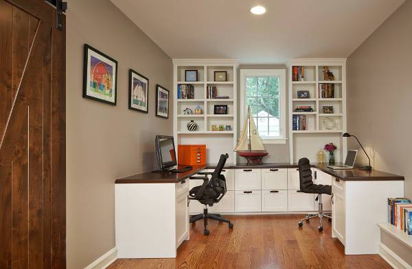 traditional built in home office desk