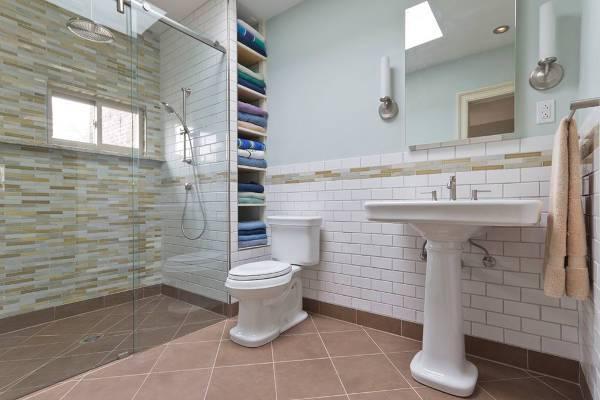corner bathroom towel storage