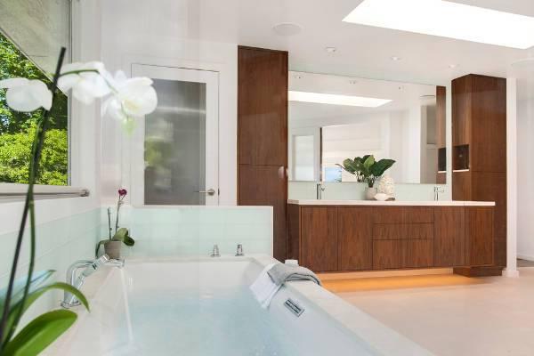 modern bathroom vanity storage