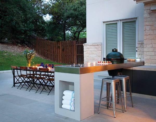 small outdoor metal bar stools